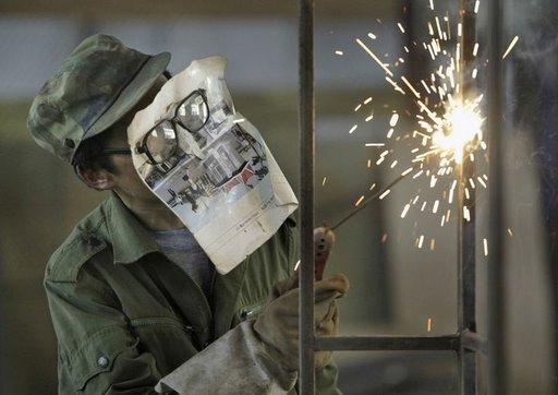 http://eupodiatamatando.com/wp-content/uploads/2008/05/soldador_os_melhores_empregos_do_mundo.jpg