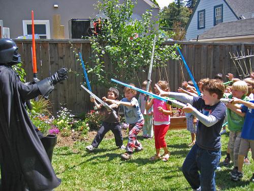 Darth Vader contra a criançada